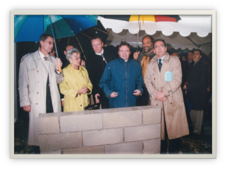 Laying the foundation stone of Inmed with Hervé Douchin, General Secretary Of Inserm and Jean-Noël Guérini, President of CG 13, 1999